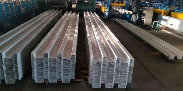 原材料的进料宽度对楼承板的影响