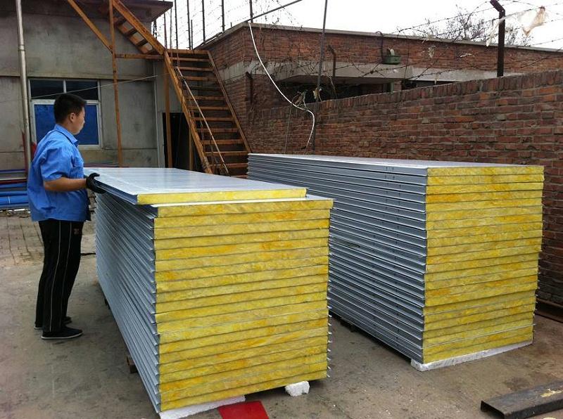 岩棉彩钢板的主要机组和结构形式