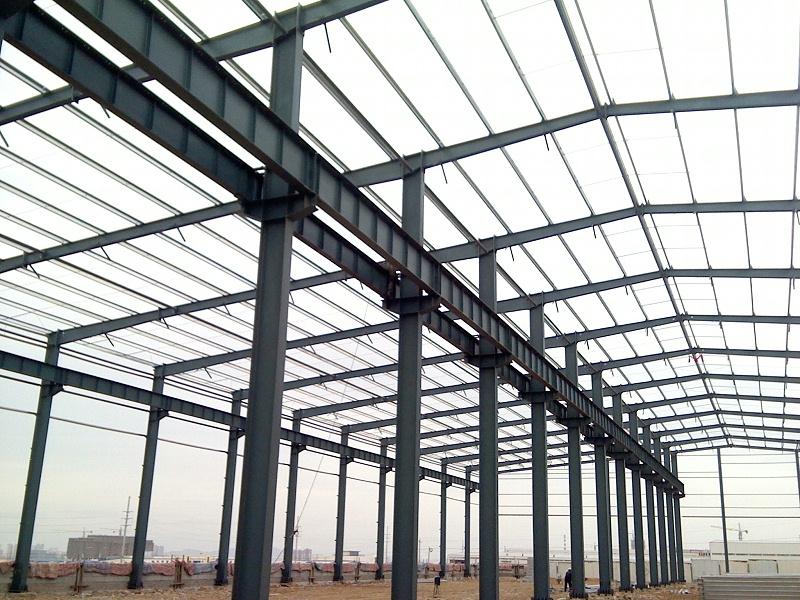 哪些因素会影响钢结构厂房造价?