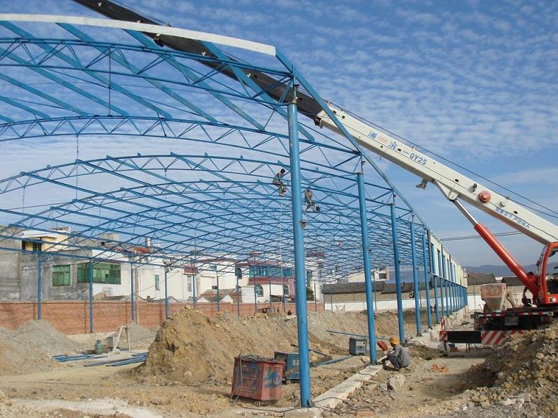 如何避免钢结构工程施工的偏差?