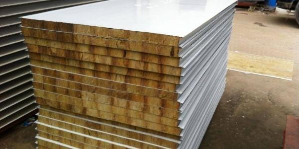 浅谈岩棉夹芯板厂家的生产过程