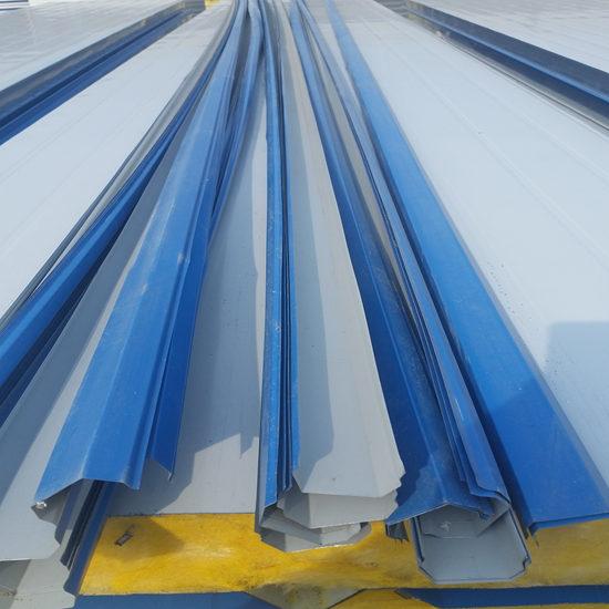 屋面彩钢板和彩钢瓦有什么区别?