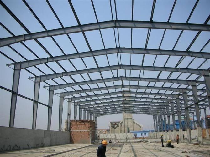 钢结构厂房主构件对整体结构质量有哪些影响?