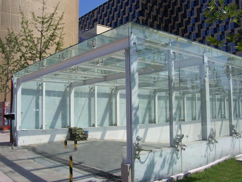 钢结构雨棚工程的注意事项和优点